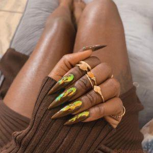 fall nails brown nail polish