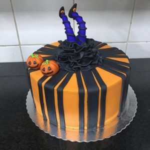 witch halloween cake