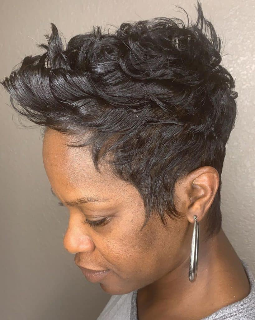 wavy pixie cut black woman