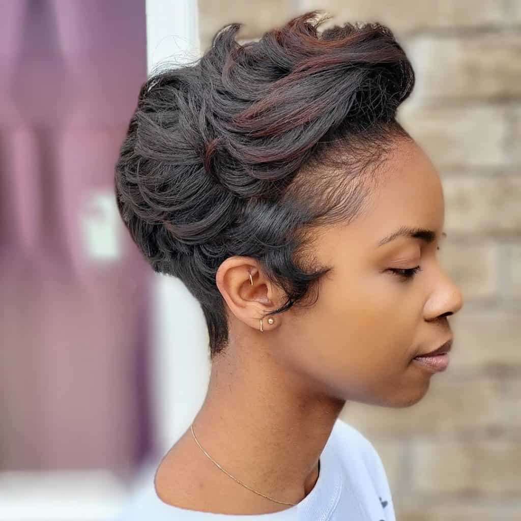 wavy pixie cut black women with highlights