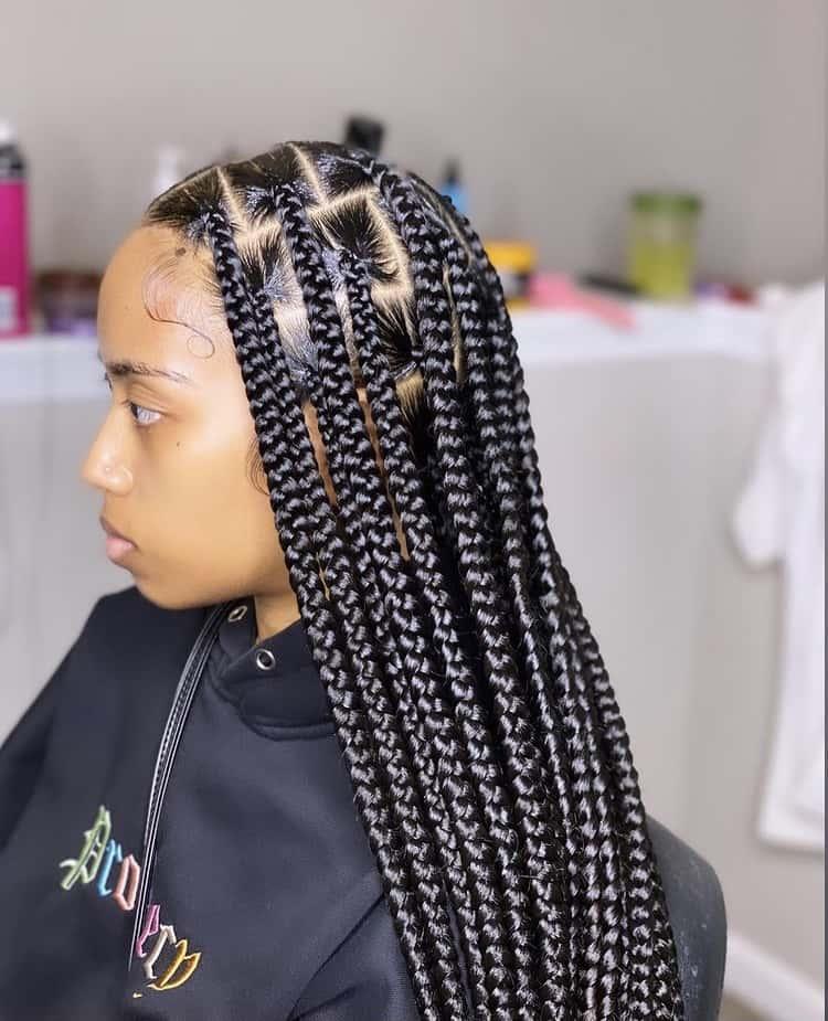 large knotless box braids